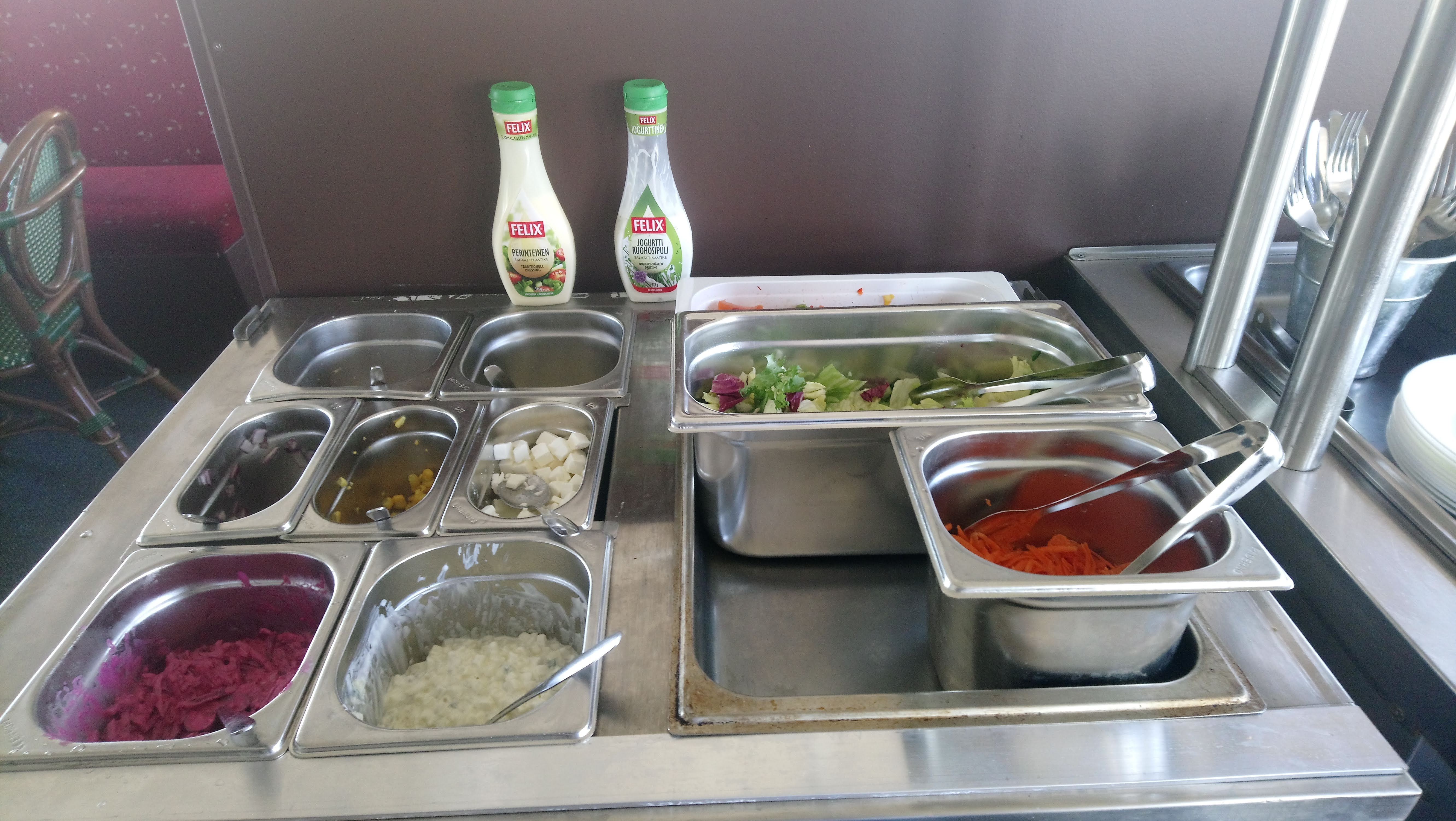 Seisova pöytä - Stående bord - Buffet